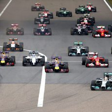 Lewis Hamilton mantiene la pole en China
