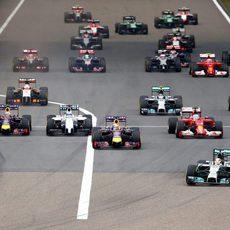 Lewis Hamilton mantiene la pole en China