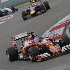 Fernando Alonso supo gestionar bien la carrera en China