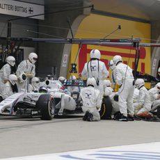 Problemas en la parada de Felipe Massa