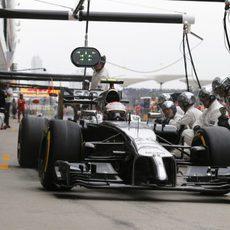 Kevin Magnussen regresa a la pista tras la parada en boxes