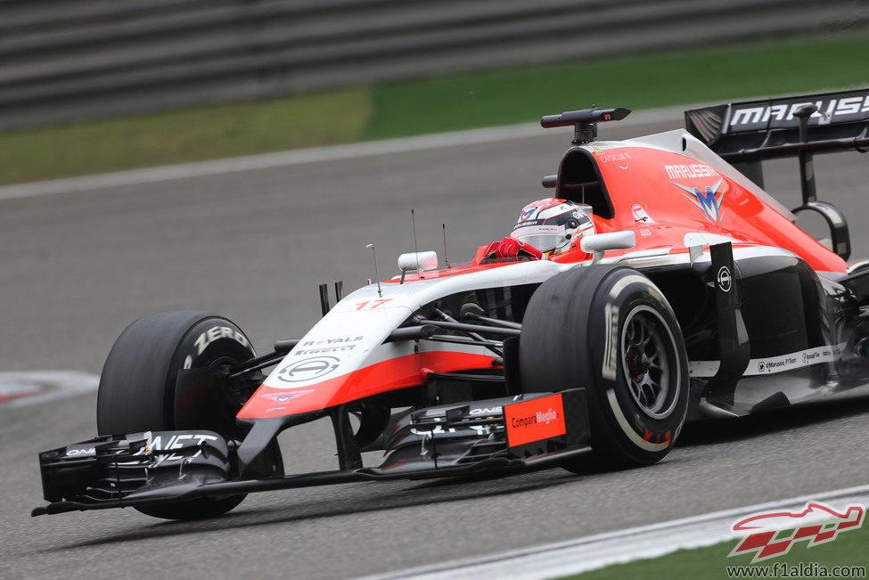 Jules Bianchi superó a los dos Caterham en China