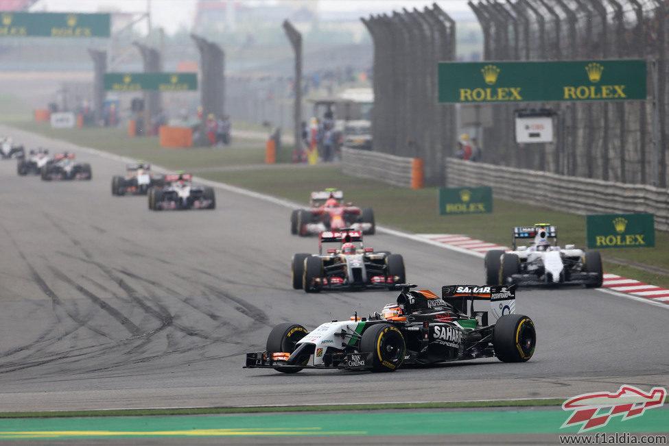 Nico Hülkenberg en los primeros minutos de la carrera en Shanghái