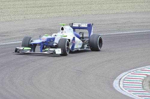 Primeros kilómetros en un F1 para SImona de Silvestro
