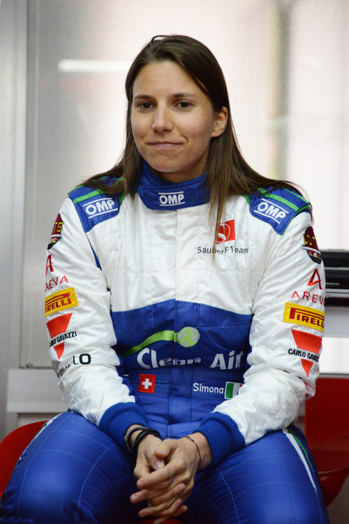 Simona de Silvestro posa sonriente