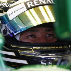 Kamui Kobayashi espera en su box el momento de saltar a pista