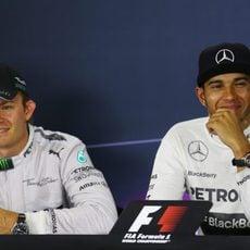 Lewis Hamilton y Nico Rosberg, en rueda de prensa