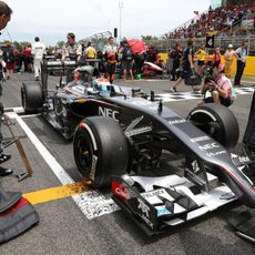 Sutil espera en parrilla el inicio del GP
