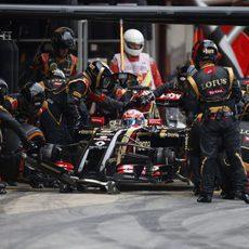 Romain Grosjean haciendo su parada
