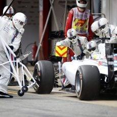 Felipe Massa haciendo su parada en boxes
