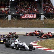 Valtteri Bottas por delante de Ricciardo, Grosjean y los dos Ferrari