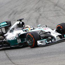 Lewis Hamilton puso el compuesto duro al final