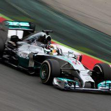 Cuarta victoria consecutiva de Lewis Hamilton en 2014