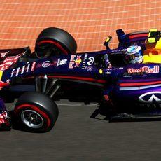 Daniel Ricciardo bate a su compañero en clasificación