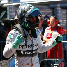 Alegría de Nico Rosberg tras lograr la pole en Mónaco