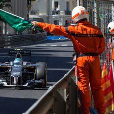 Bandera verde para Esteban Gutiérrez en Mónaco