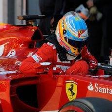 Fernando Alonso se baja del F14-T en Mónaco