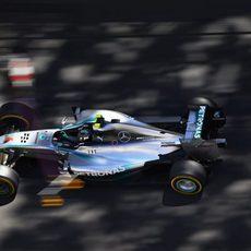 Nico Rosberg pilota en las calles del Principado