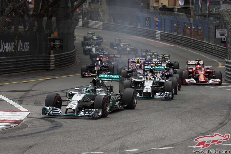 Primera curva del GP de Mónaco 2014