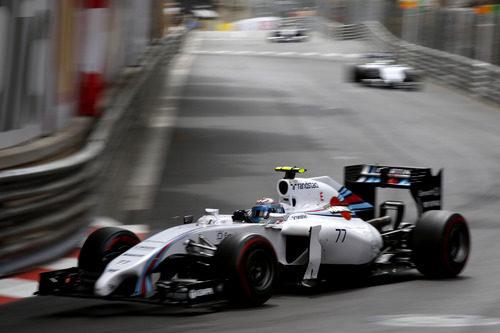 Valtteri Bottas abandonó en Loews por fallo en el motor