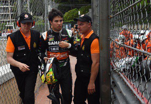 Sergio Pérez no llegó a completar ni la primera vuelta
