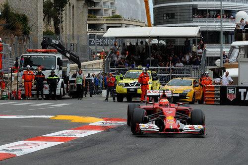 Kimi Räikkönen perdió opciones de podio