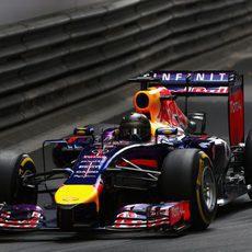 Sebastian Vettel tuvo que abandonar por el motor