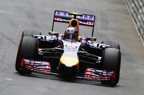 Daniel Ricciardo perdió su posición en la salida
