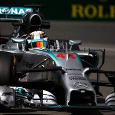 Lewis Hamilton se lleva el mejor tiempo del viernes