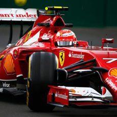 Kimi Räikkönen rindió mejor en la segunda sesión