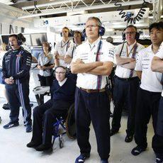 Frank Williams vive la clasificación con su equipo