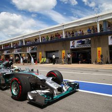 Lewis Hamilton sale a luchar por la pole