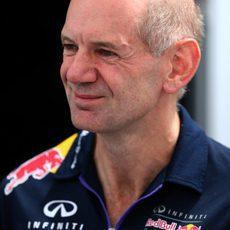 Adrian Newey renueva contrato con Red Bull