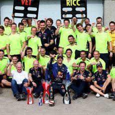El equipo Red Bull celebra el doble podio en Canadá
