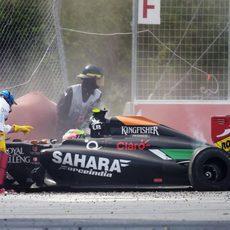 Sergio Pérez abandonó en la última vuelta
