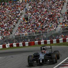 Jenson Button se quedó a las puertas del podio