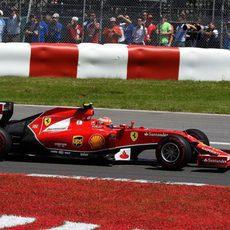 Kimi Räikkönen tuvo muchos problemas en Canadá