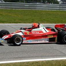 Niki Lauda volvió a subirse en un Ferrari