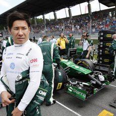 Kamui Kobayashi preparado para comenzar la carrera