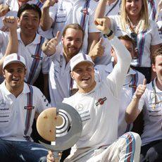 El equipo Williams celebra el tercer y cuarto puesto