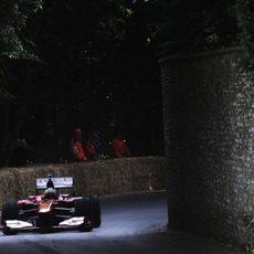 Pedro de la Rosa avanza con el Ferrari F60