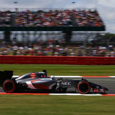 Giedo van der Garde rodando en Silverstone