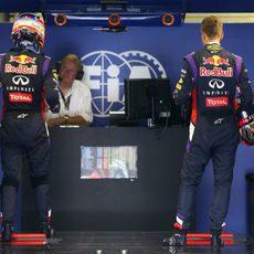 Sebastian Vettel y Daniel Ricciardo se pesan tras la clasificación