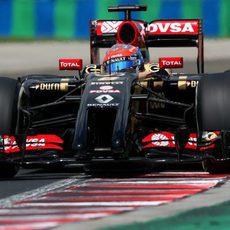 Romain Grosjean luchando por entrar en la Q3