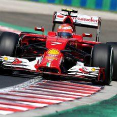 Kimi Räikkönen busca el crono en Hungría