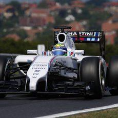 Felipe Massa rueda con los medios