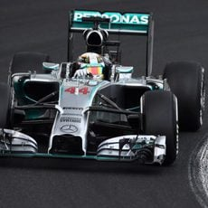 Lewis Hamilton solo dio la vuelta de instalación en la Q1
