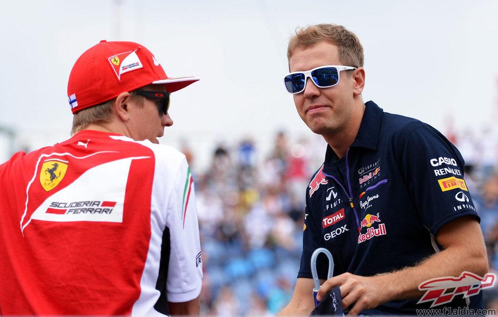 Sebastian Vettel y Kimi Räikkönen, juntos en Hungría