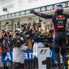 Hungría se rinde ante Daniel Ricciardo