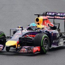 Sebastian Vettel perdió tiempo por un trompo